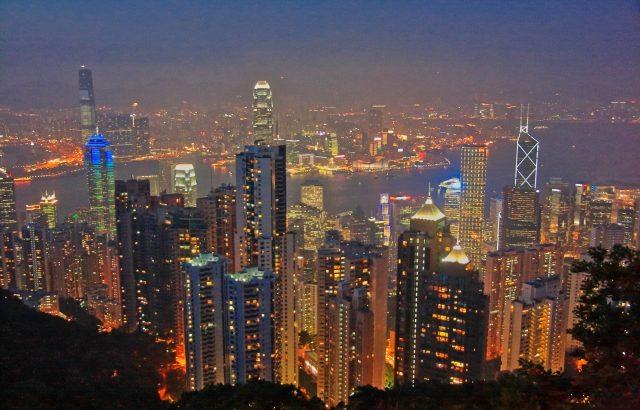 今日の一面ニュース「香港デモ」